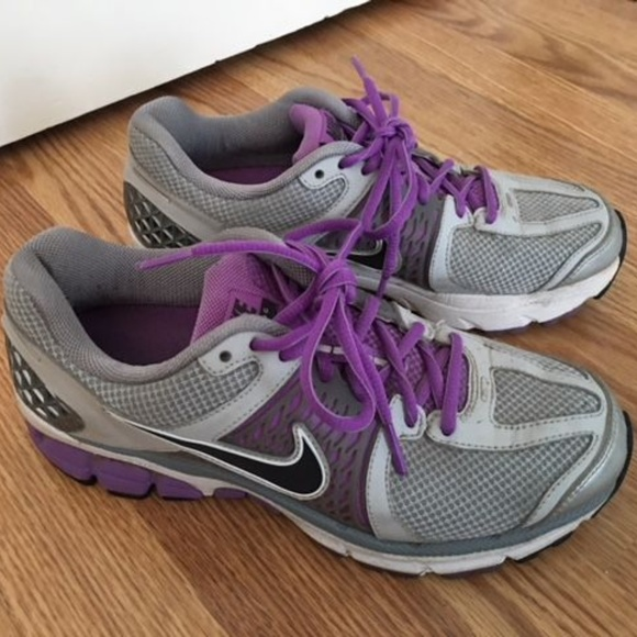 7baf7f1ce99a Women s Nike Vomero 6 Running Shoes. M 5ac922638290afe52bc127e6